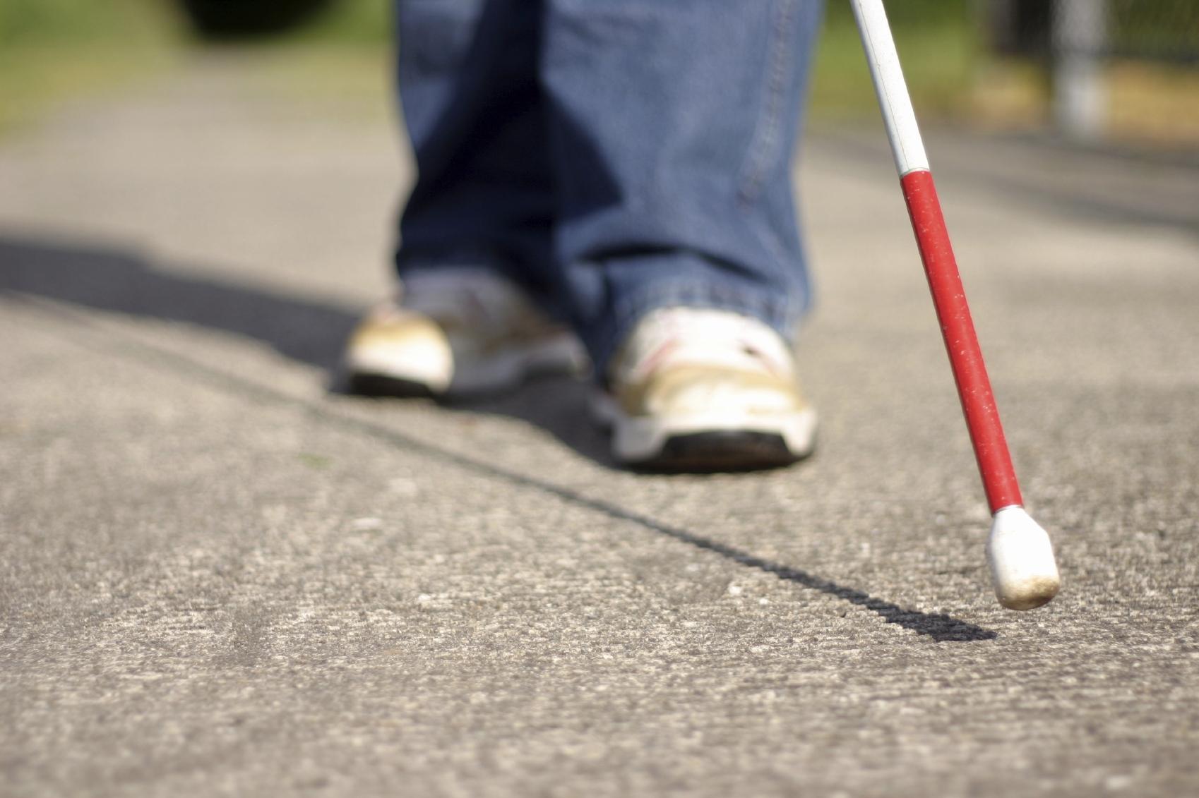 Майкрософт помогает слепым людям